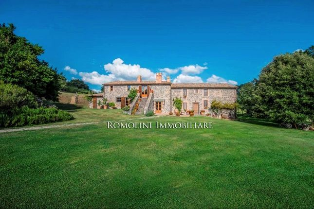 5 bed property for sale in Orvieto, Umbria, Italy