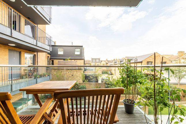 Thumbnail Flat to rent in Palmerston Road, Wimbledon, London