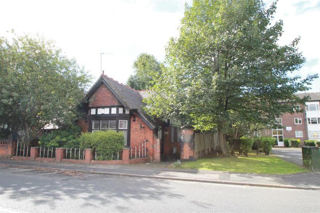 3 bed property to rent in Claremont Road, Salford