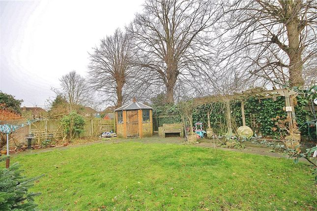 Picture No. 36 of Fontmell Park, Ashford, Middlesex TW15