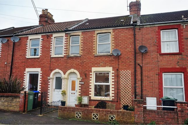 Thumbnail Terraced house for sale in Hawthorn Road, Chippenham