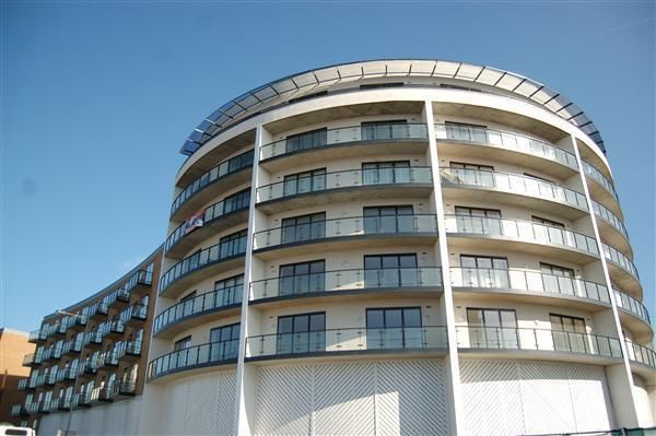 2 bed flat to rent in Lawrie House, 3 Durnsford Road, Wimbledon