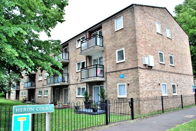 Thumbnail Flat for sale in Heron Court, Bromley