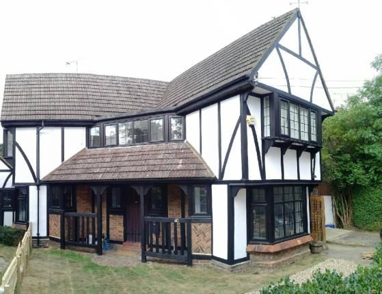 Thumbnail Detached house for sale in Manor Road, Potters Bar, Hertfordshire