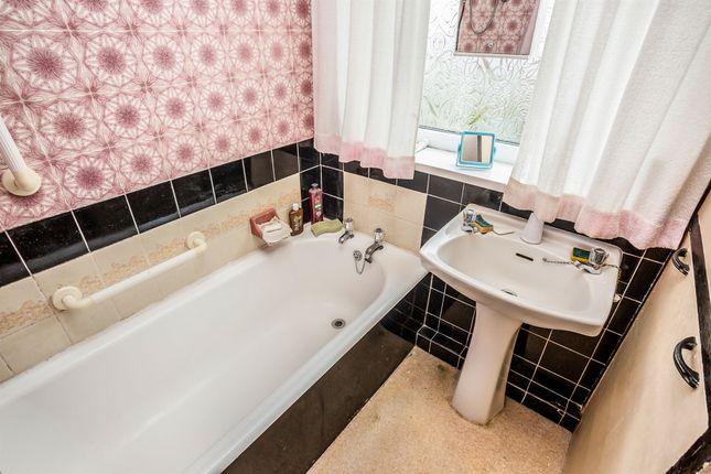 Bathroom of Groveway, Bolton Outlanes, Bradford BD2