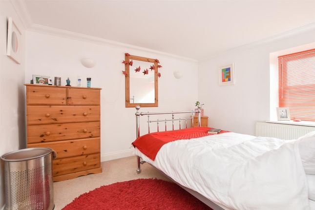 Bedroom of Robertson Terrace, Hastings TN34