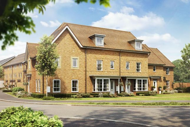 Thumbnail Property for sale in Langley Road, Langley, Slough