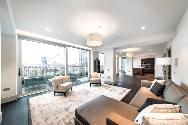 Thumbnail Flat to rent in Victoria Street, St James's Park, Westminster, London