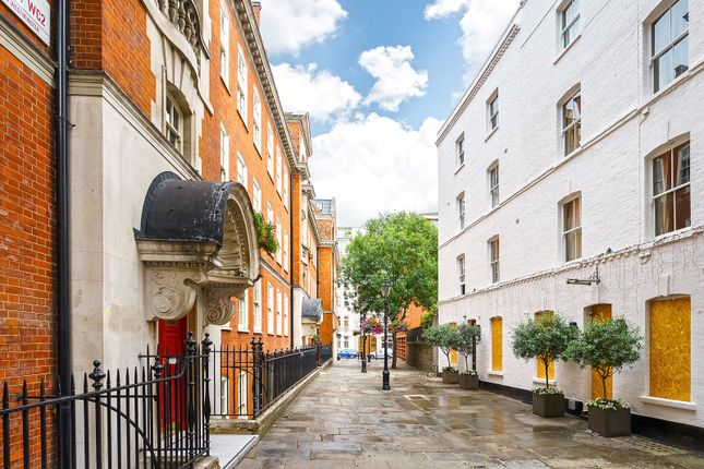 Picture No. 08 of Broad Court, Covent Garden WC2B