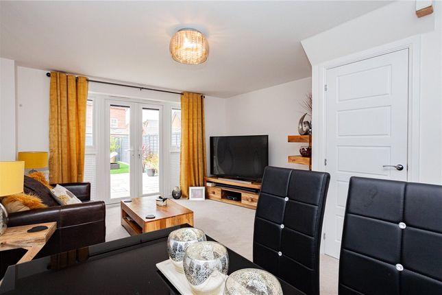 Living Room of Arlott Green, Crowthorne, Berkshire RG45
