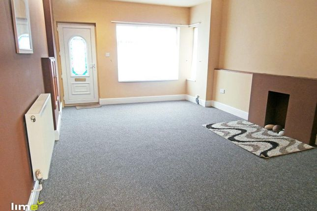 Thumbnail Flat to rent in Queen Street, Withernsea