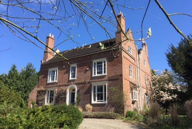 Thumbnail Country house for sale in Stockton, Worcester