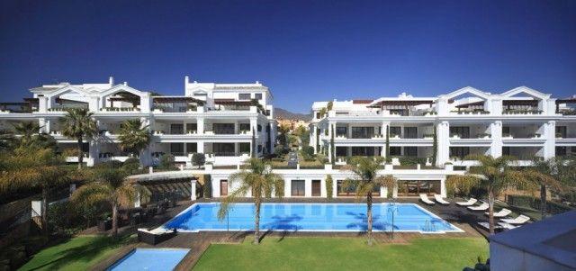 Complex And Pool of Spain, Málaga, Estepona, Estepona Centro