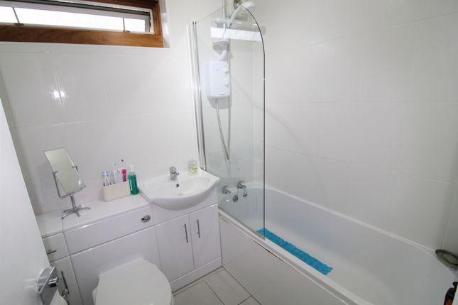 Bathroom of Welbeck Street, Kilmarnock KA1