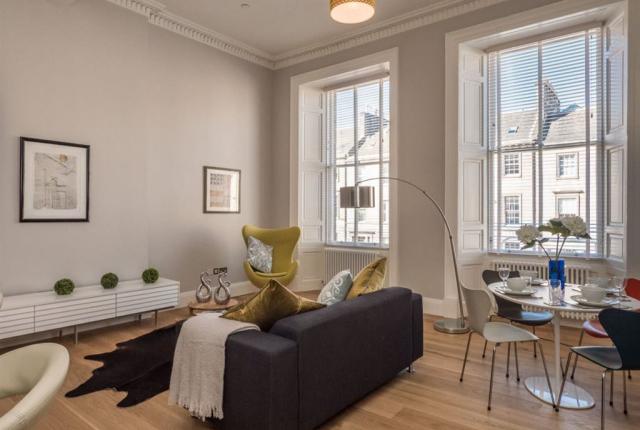 Thumbnail Flat to rent in York Place, Edinburgh