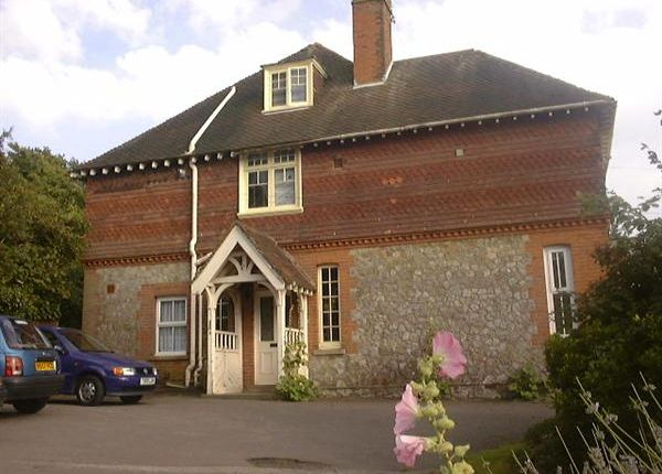 Thumbnail Flat to rent in North Road, Hythe