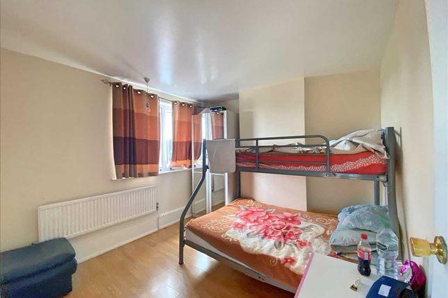 Bedroom 2 of Lawrence Crescent, Edgware HA8