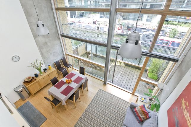 2 bed flat to rent in Kingsland Road, Dalston, London E8
