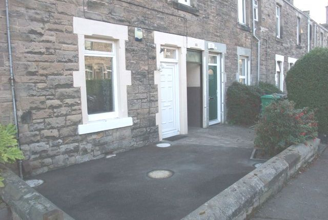 Thumbnail Flat to rent in Salisbury Street, Kirkcaldy, Fife