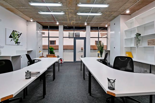 Office to let in Richmond Road, Hackney