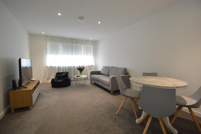 2 bed flat to rent in Anglesea Road, Kingston Upon Thames KT1