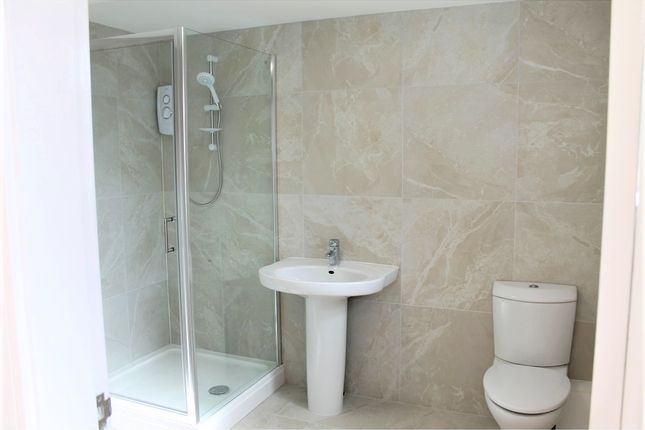 Thumbnail Flat to rent in Sturdee Road, Leicester