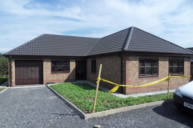 Thumbnail Detached bungalow for sale in Rhodfa'r Gwendraeth, Kidwelly