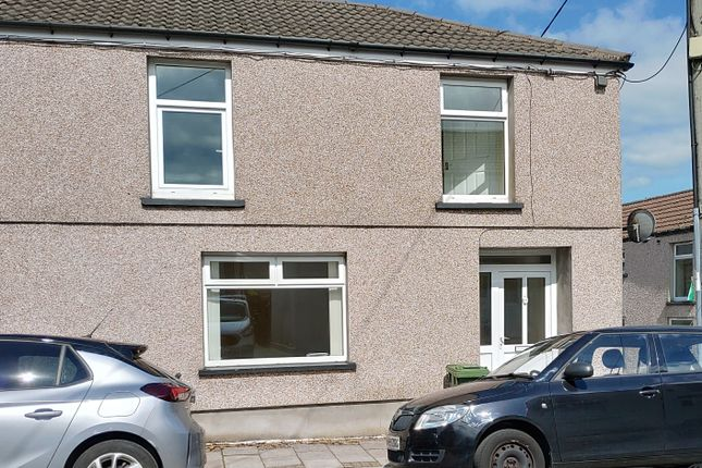 2 bed end terrace house to rent in Bell Street, Trecynon, Aberdare CF44