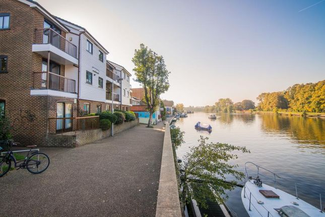 Thumbnail Flat to rent in Ram Passage, Kingston Upon Thames