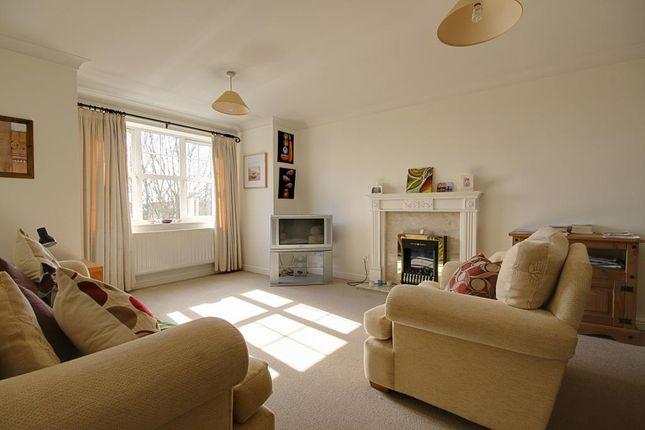 Thumbnail Flat to rent in Swarcliffe Road, Harrogate
