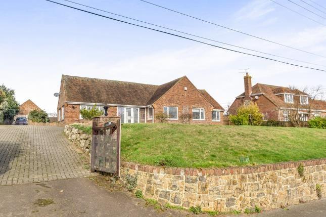 Thumbnail Bungalow for sale in Callaways Lane, Newington, Sittingbourne