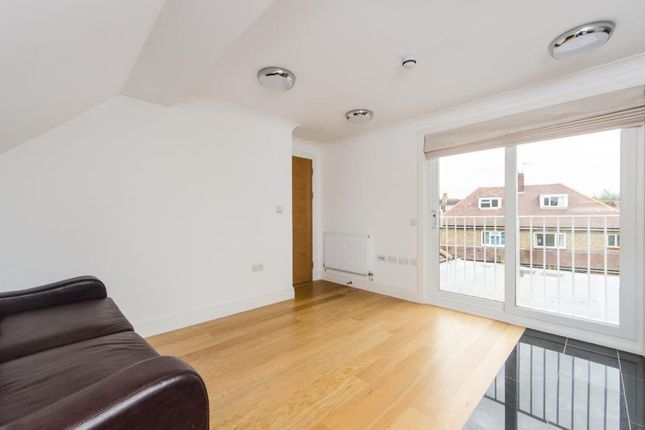 Thumbnail Flat to rent in Loveday Road, Ealing, London