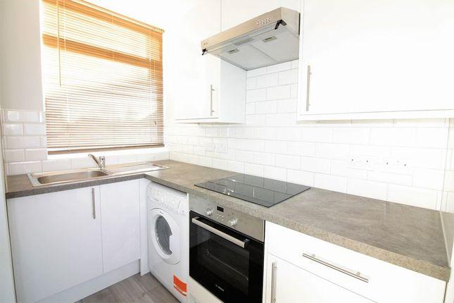 Thumbnail Maisonette to rent in London Terrace, Hackney Road, London