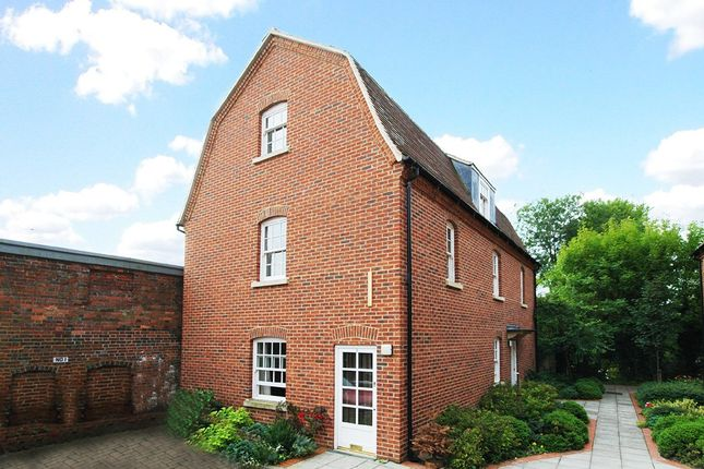Thumbnail Flat to rent in London Road, Marlborough