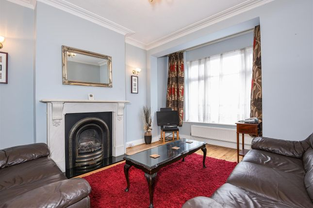 4 bed terraced house to rent in Brudenell Road, London