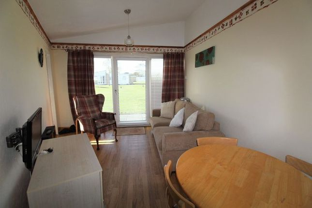 Living/Dining of Edward Road, Winterton-On-Sea, Great Yarmouth NR29