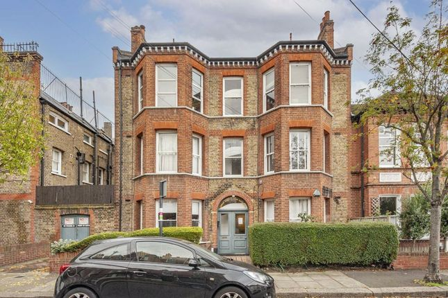 3 bed flat for sale in Marius Road, London SW17