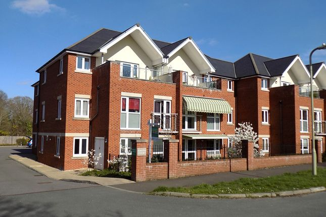 Thumbnail Flat for sale in Haven Court, Hythe