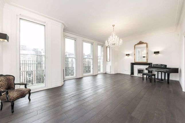 Thumbnail Flat to rent in Cromwell Road, London