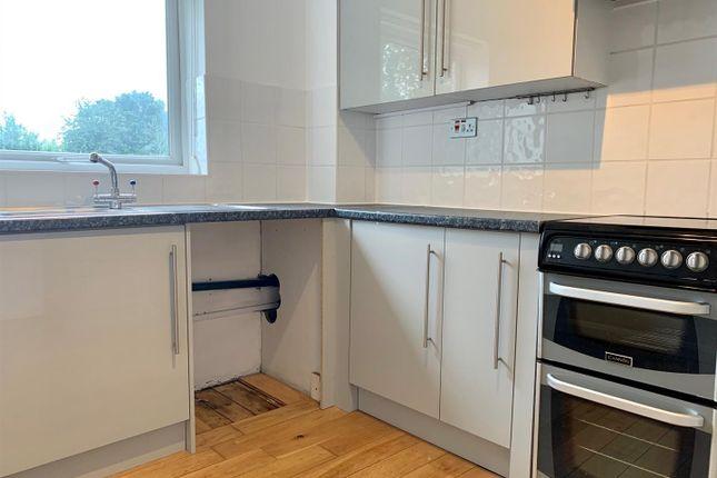 2 bed flat to rent in Burnet Close, Hemel Hempstead HP3