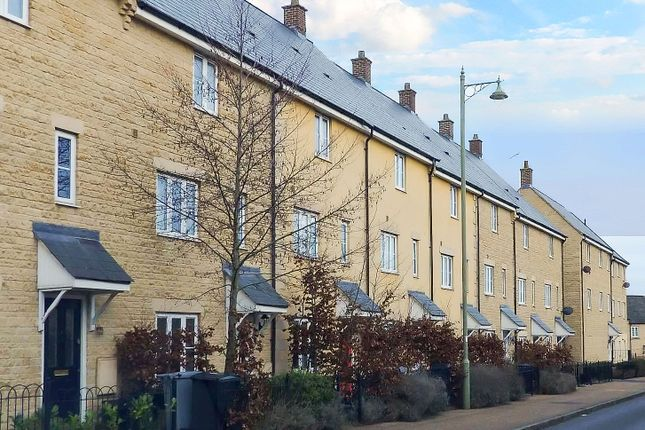 Thumbnail Terraced house to rent in Elmhurst Way, Carterton, Oxfordshire