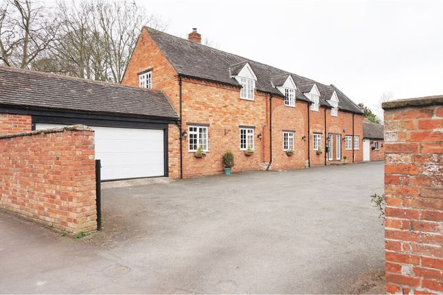 Thumbnail Property for sale in Chestnut Square, Wellesbourne