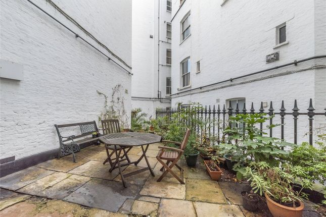 Patio Garden of Oxford & Cambridge Mansions, Transept Street, London NW1