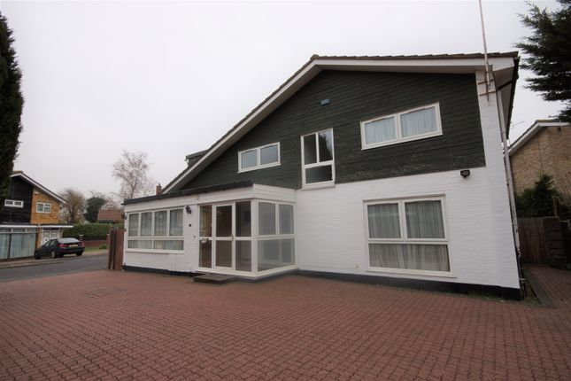 Thumbnail Detached house to rent in Staplefield Close, Pinner, Middlesex