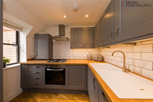 2 bed flat for sale in Whyteleafe Hill, Whyteleafe CR3