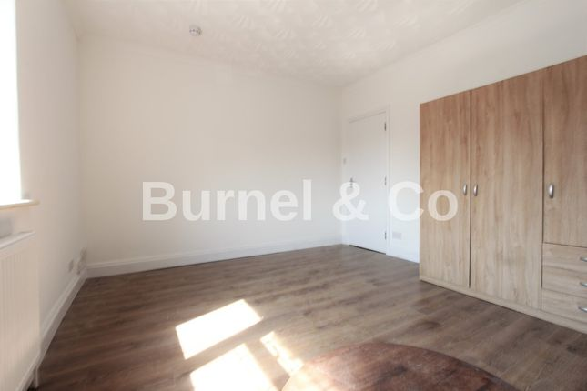 Thumbnail Flat to rent in Nicholes Road, Hounslow