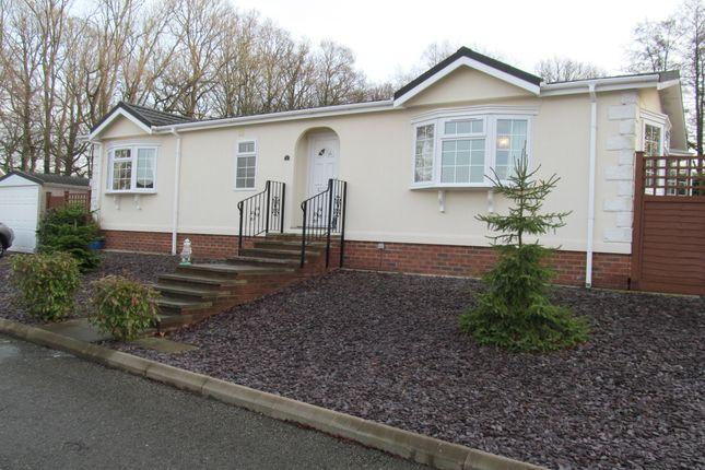 Thumbnail Mobile/park home for sale in Burwash Park (Ref 5487), Fontbridge Lane, Etchingham, East Sussex, 7