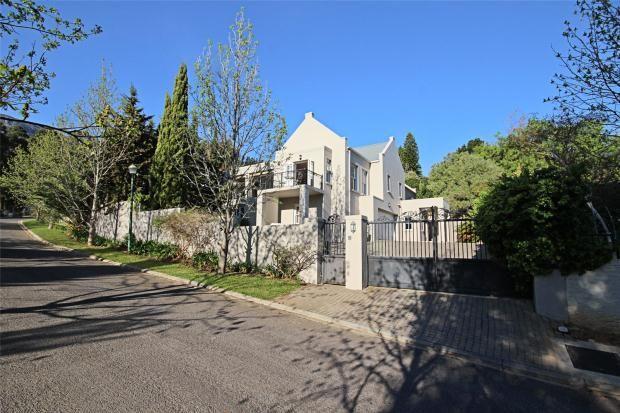 Picture No. 01 of 30 Kalden Drive, La Sandra, Somerset West, Western Cape, 7130