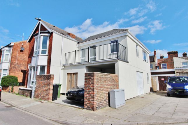 Thumbnail Flat to rent in South Road, Portsmouth
