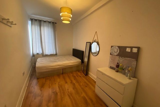 Thumbnail Flat to rent in Camden High Street, Camden